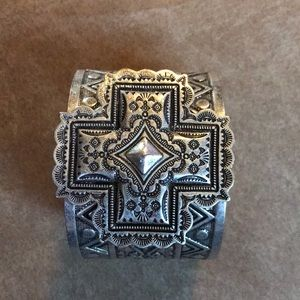Beautiful Silver Santa Fe Cross Cuff Bracelet